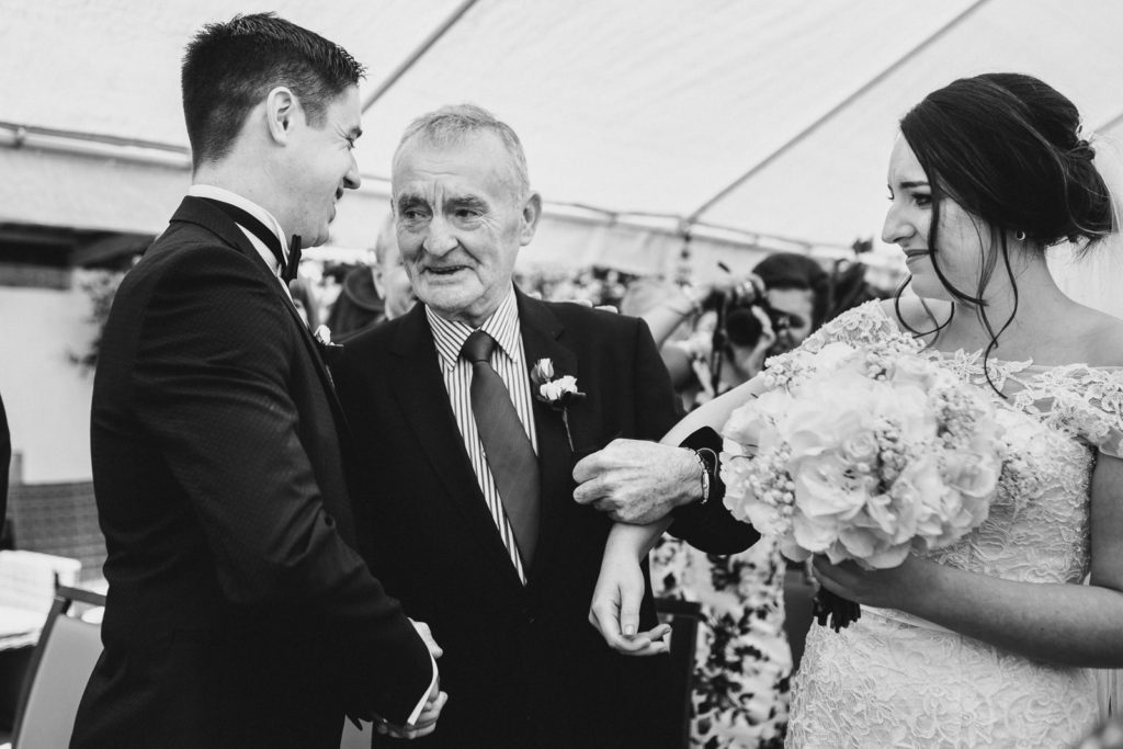 documentary-wedding-alternative-photographer-ireland-katie-farrell0149